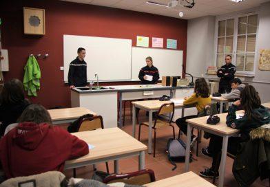 Section jeune sapeur-pompier au collège Châteaudun, à Belfort